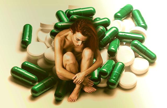 双極性障害の薬リーマスの副作用で体全体の震えが止まらない